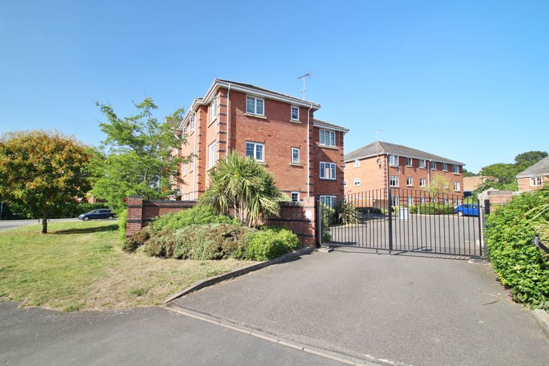 Marlowe Court, Rugby
